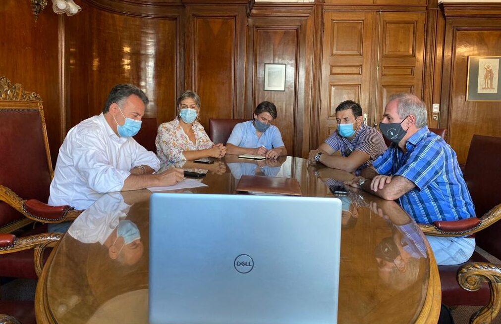 SMU y Sociedades Científicas se reunieron con el ministro Salinas proponiendo acciones para bajar casos de la COVID 19
